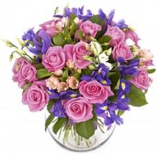 Buchet trandafiri, lisiantus, irisi